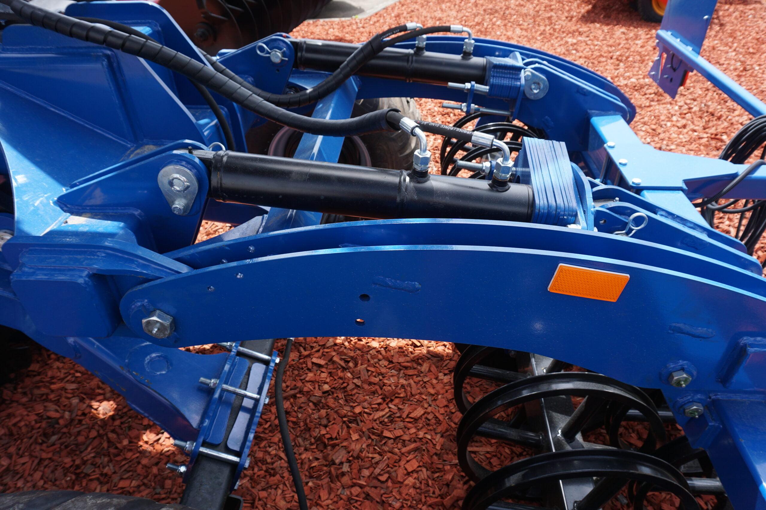 Hydraulic Depth Adjustment